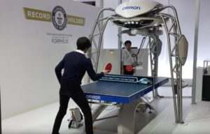 Forpheus, il robot che gioca a ping-pong